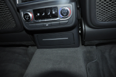 Audi Q7 2015 rear entertainment Rosen 010