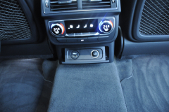 Audi Q7 2015 rear entertainment Rosen 011