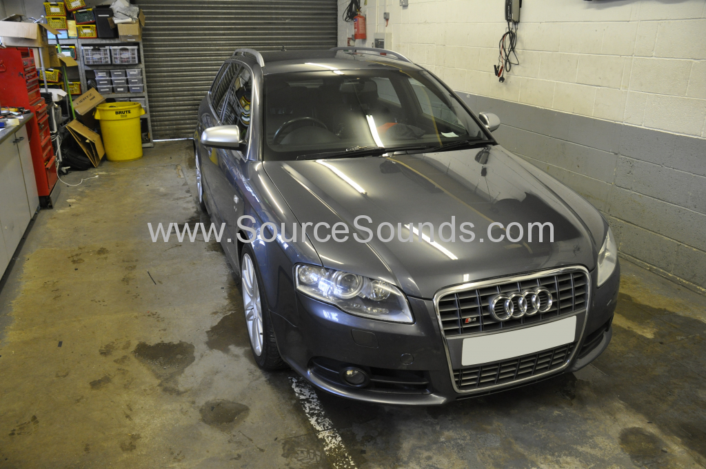 Audi S4 2008 screen upgrade 001