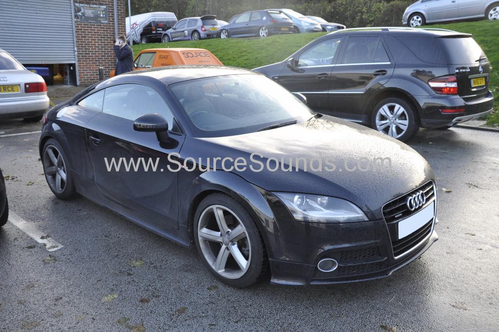 Audi TT 2011 reverse camera upgrade 001