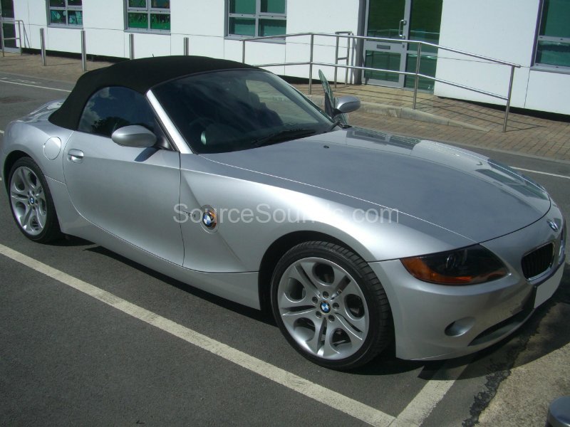 bmw-z4-2005-audio-upgrade-001