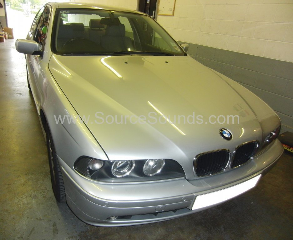 BMW 5 Series E39 2002 navigation upgrade 001