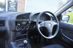 BMW E36 1995 pioneer avh z7000dab 002