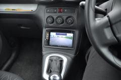 Citroen C3 Picasso 2015 reverse camera install 007