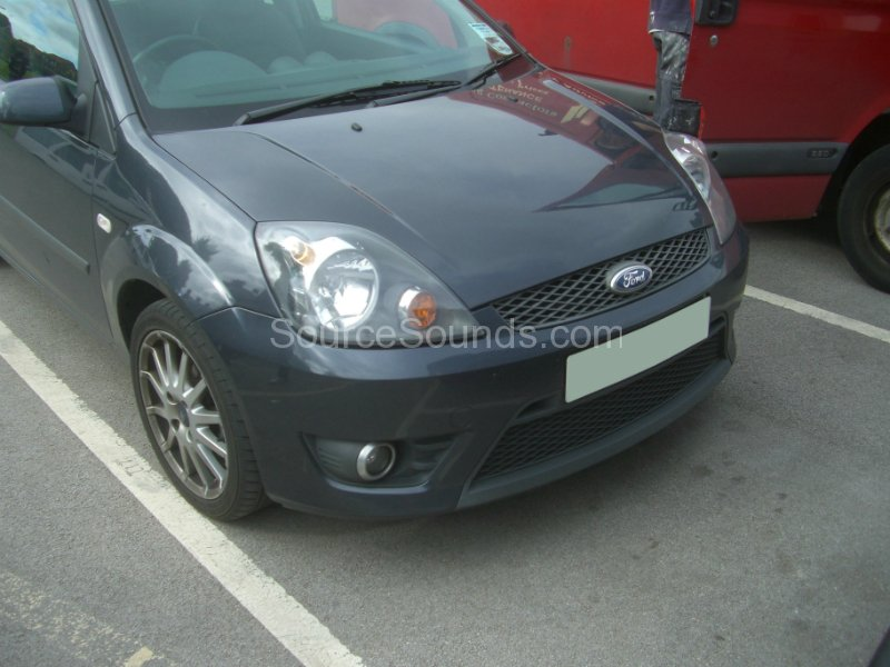 ford-fiesta-2007-stereo-upgrade-001