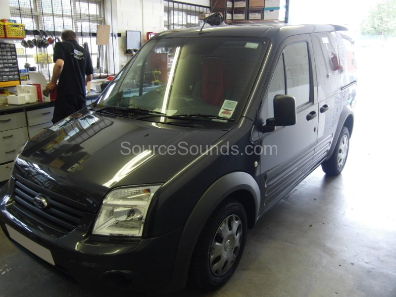 ford-transit-connect-2009-stereo-upgrade-001