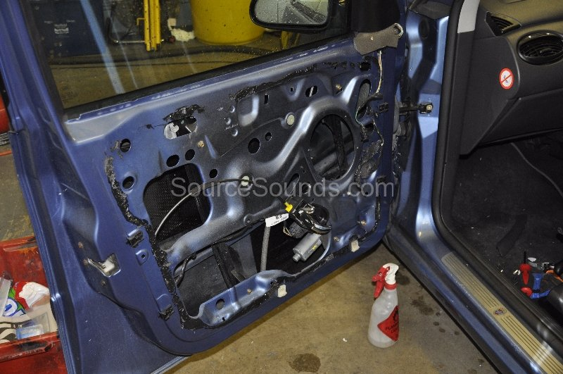 ford-focus-2002-sound-deadening-001