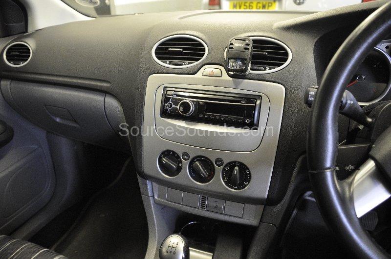 2008 ford focus radio replacement