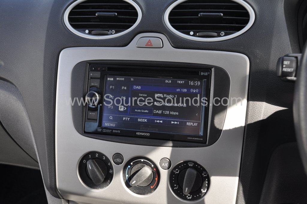 Ford Focus DAB screen upgrade 003