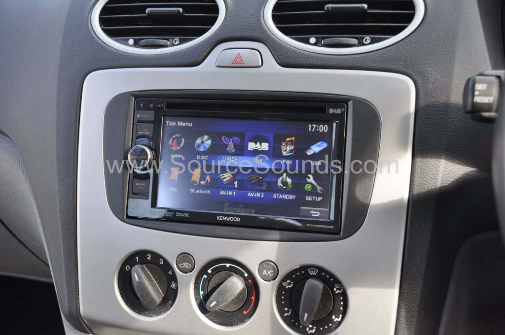 Ford Focus DAB screen upgrade 005