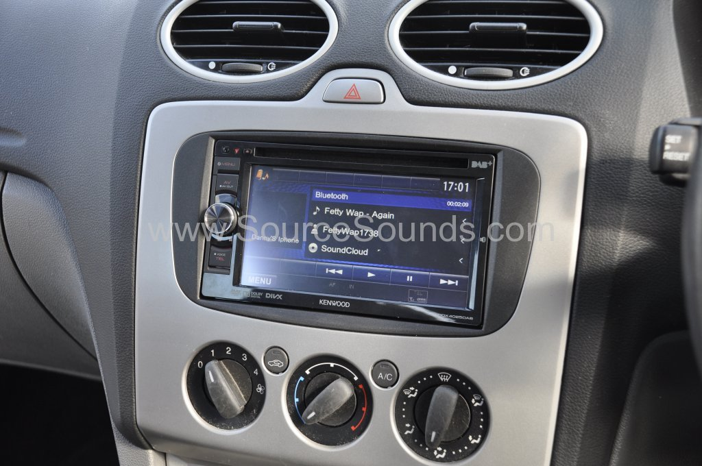 Ford Focus DAB screen upgrade 006