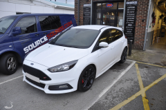 Ford Focus ST 2015 rear parking sensors upgrade 001