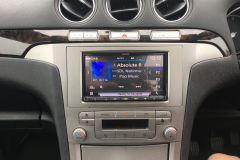 Ford Galaxy DD carplay and rev camera 004