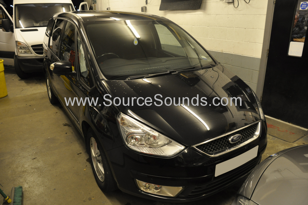 Ford Galaxy 2009 DVD roof screen 001