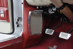 Ford Mustang 1966 audio upgrade 009