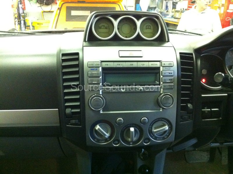 ford-ranger-2007-double-din-screen-001