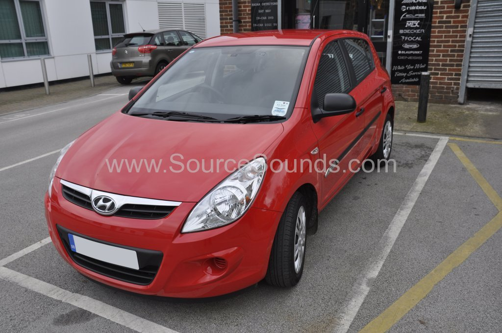 Hyundai i20 2012 rear sensor upgrade 001