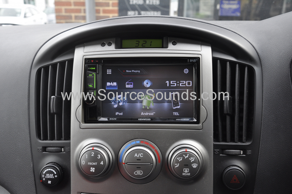Hyundai i800 2011 DAB upgrade 005