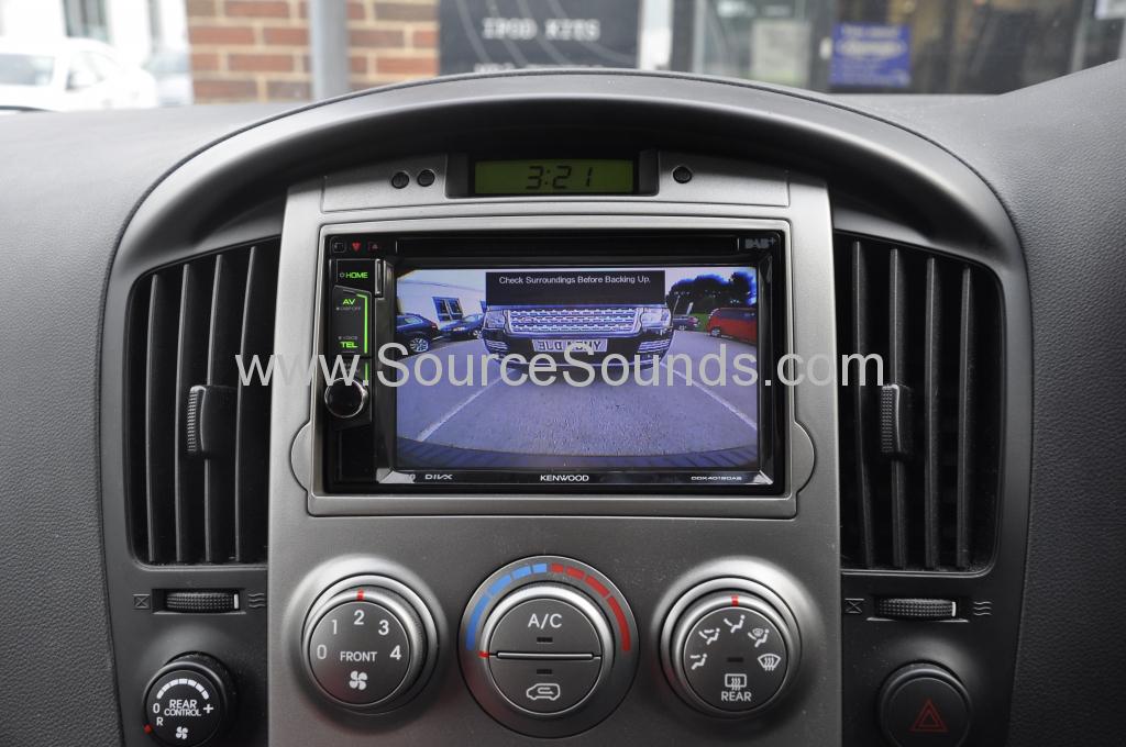 Hyundai i800 2011 DAB upgrade 009