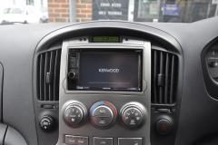 Hyundai i800 2011 reverse camera upgrade 003