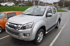 Isuzu DMax 2014 DAB upgrade 001