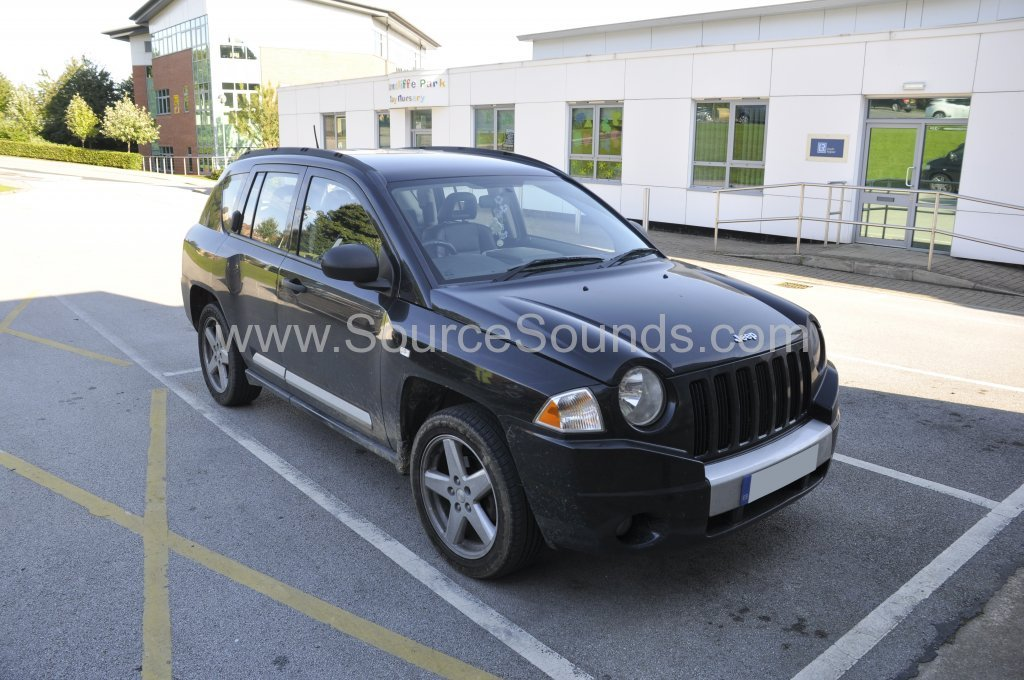 Jeep Compass 2008 DAB stereo upgrade 001