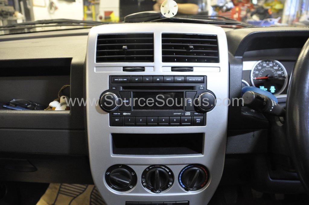 Jeep Compass 2008 DAB stereo upgrade 002