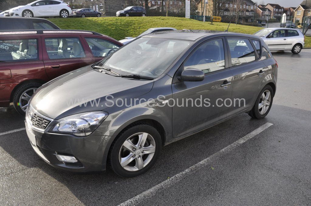 Kia Ceed 2011 parrot asteroid smart upgrade 001