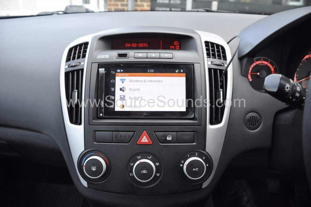 Kia Ceed 2011 parrot asteroid smart upgrade 009