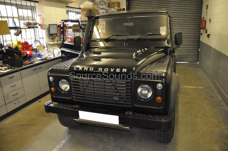 landrover-defender-2010-navigation-upgrade-001