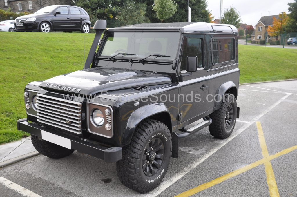 Landrover Defender 2010 screen upgrade 001
