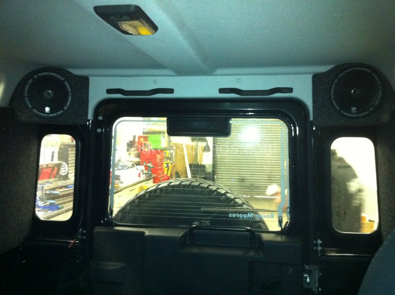 Landrover Defender 2011 Rear Speakers Source Sounds