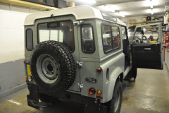 Landrover Defender Heritage 2015 audio upgrade 001