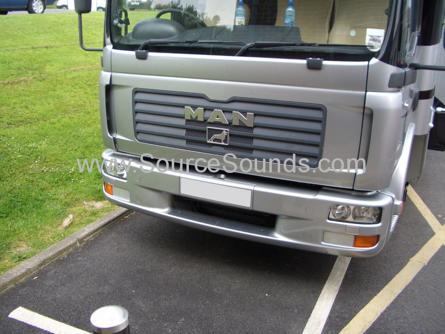 MAN 2006 Horse Box Audio Upgrade 001