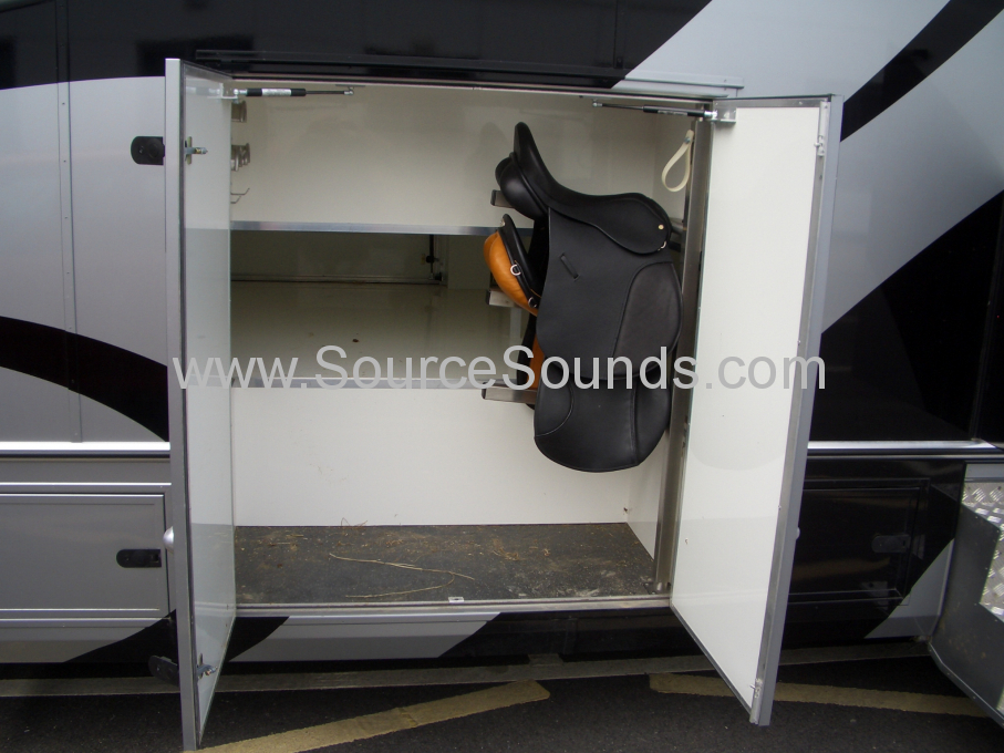 MAN 2006 Horse Box Audio Upgrade 003