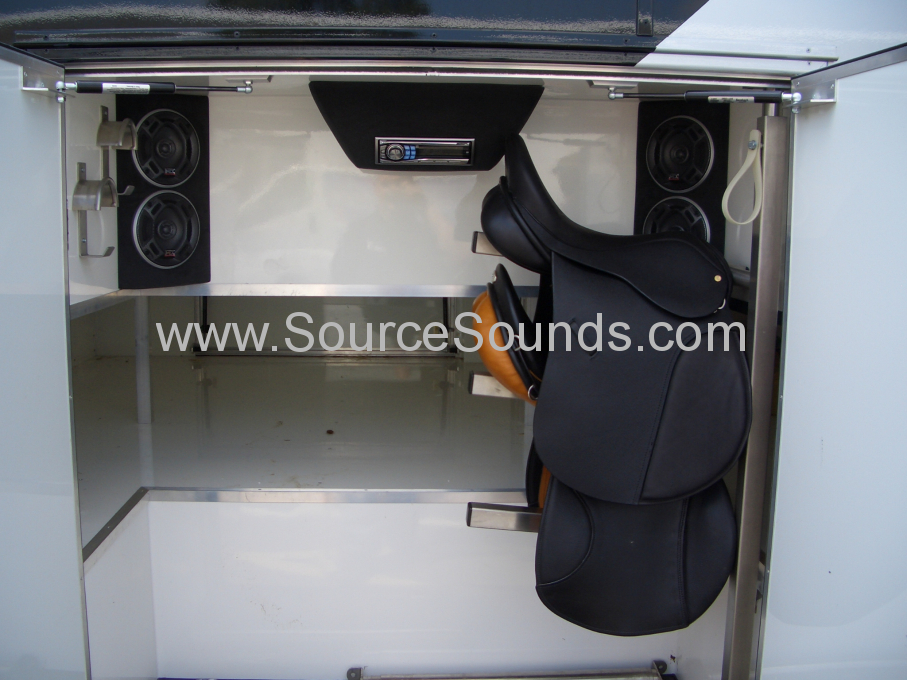 MAN 2006 Horse Box Audio Upgrade 005
