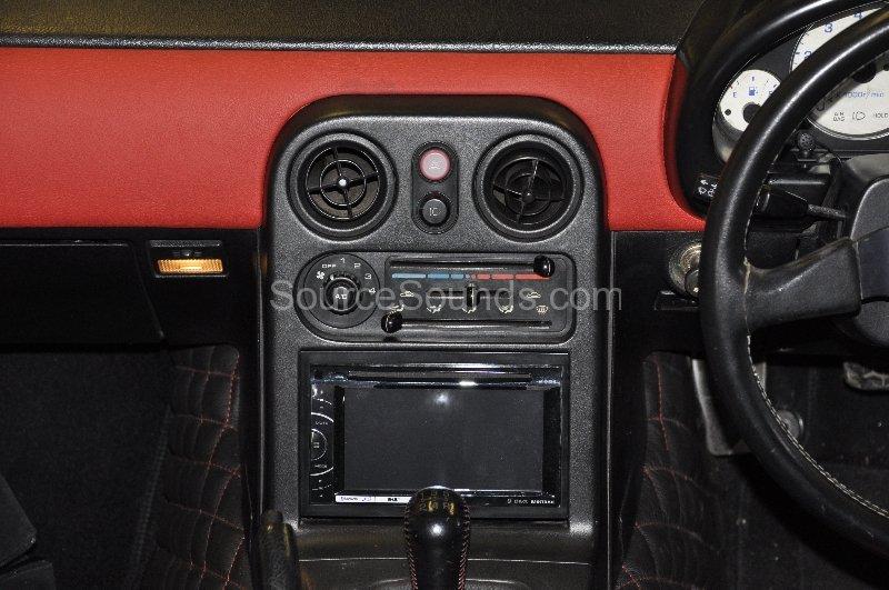 mazda-mx5-1995-dab-stereo-upgrade-004