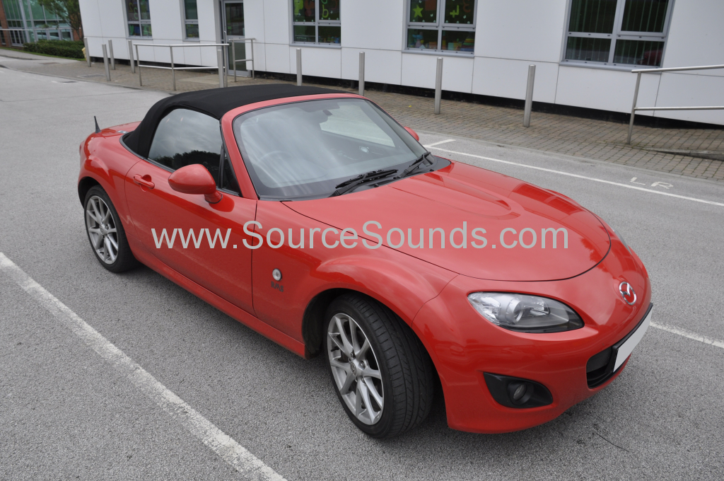 Mazda MX5 2010 reverse camera upgrade 001