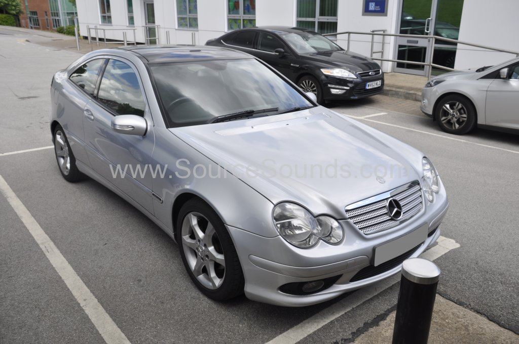 Mercedes C180 2005 rear parking sensors 001