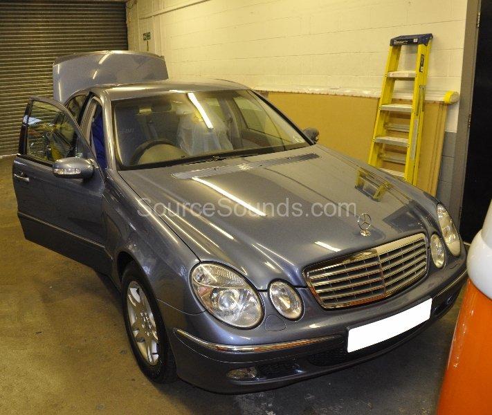 mercedes-e-class-2003-stereo-upgrade-001
