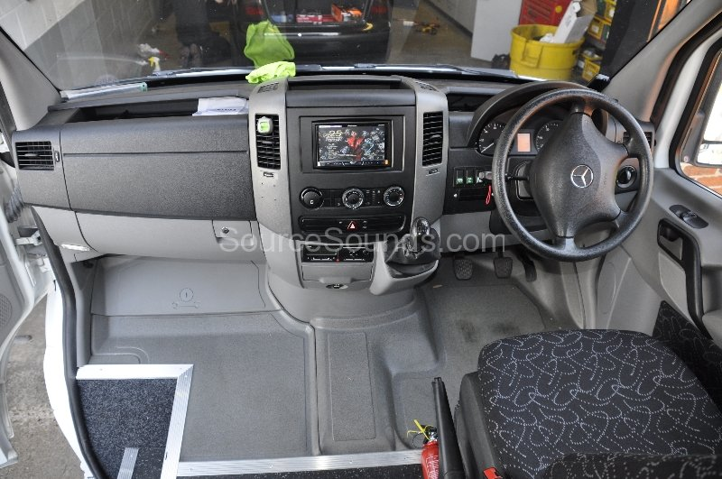 mercedes-sprinter-2008-stereo-upgrade-005