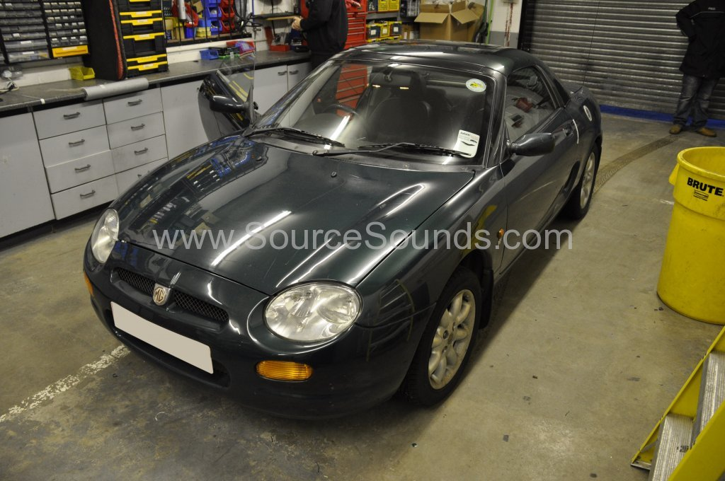 MG TF 1997 rain guard replacement 001