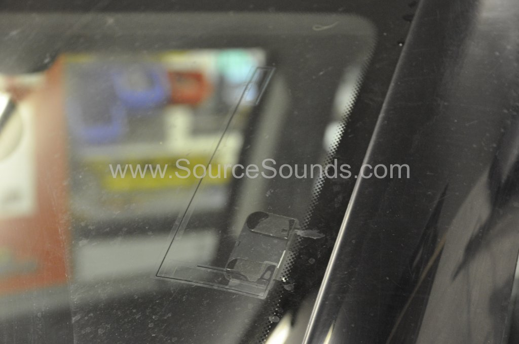 BMW Mini Cooper 2003 DAB radio upgrade 006