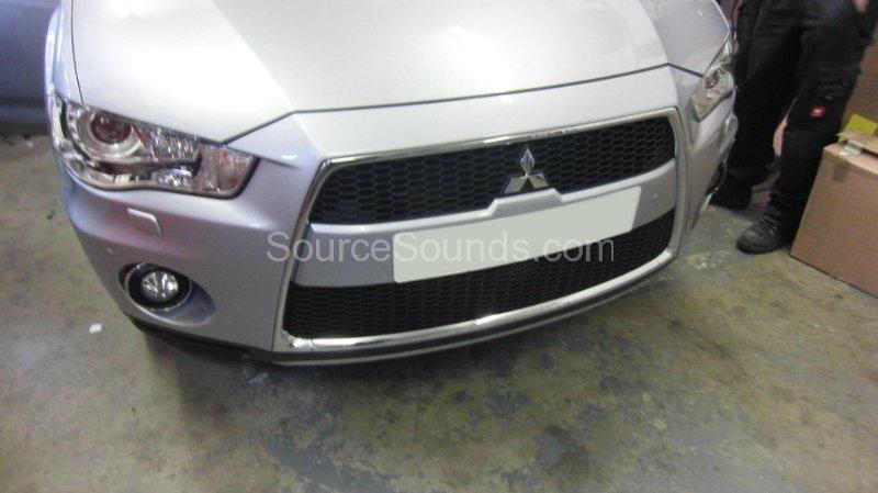 mitsubishi-outlander-2011-front-rear-park-sensors-002