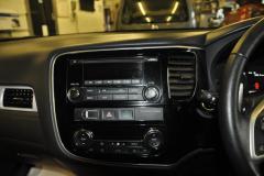 Mitsubishi Outlander Phev 2015 DAB upgrade 003