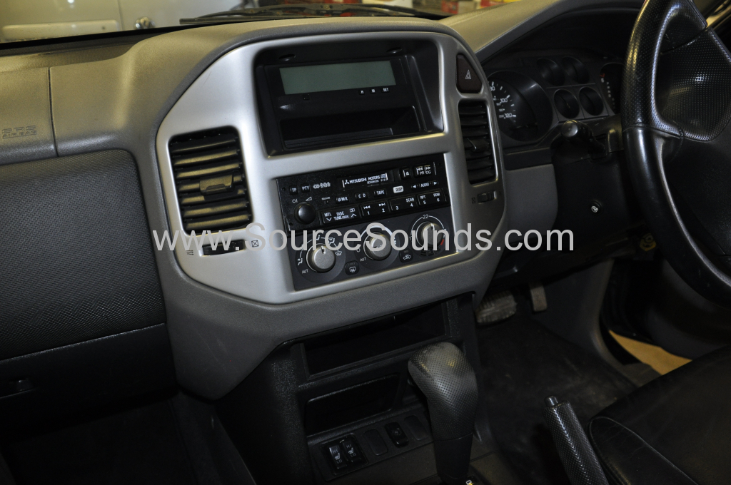 Mitsubishi Shogun 2006 navigation upgrade 002