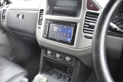 Mitsubishi Shogun 2006 navigation upgrade 004