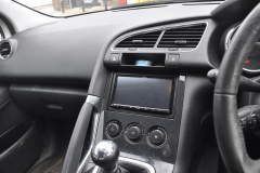 Peugeot 3008 2012 DAB stereo upgrade 002