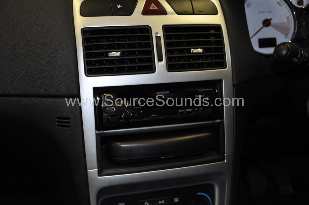 Peugeot 307 2007 DAB stereo upgrade 004