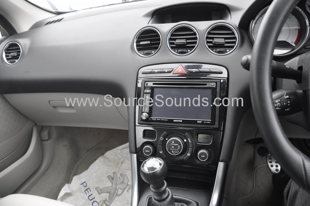 Peugeot 308cc DAB upgrade 003